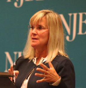 Attorney Susan Hodges of Parker McCay presenting at NJBIA's Leave Laws 2.0 seminar