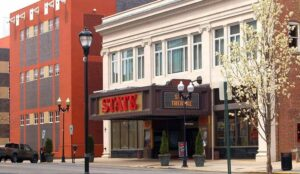 Modern Day State Theatre - Exterior Photo