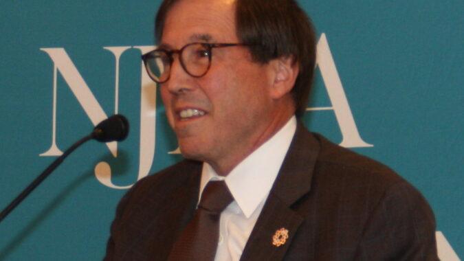 Dr. Andrew Pecora